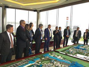Vang Lanu sa delegacijom Zelezare Smederevo